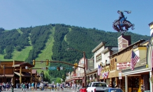 1902_655_Jackson_Hole_Wyoming_Town_Square_md