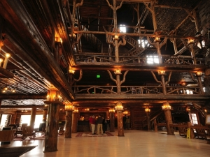 The open nave of the Old Faithful Inn